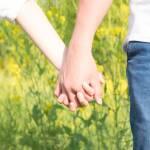 外国人との恋愛は難しい…別れてしまう真の原因&復縁のコツ